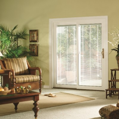 sliding door living room closed with blinds